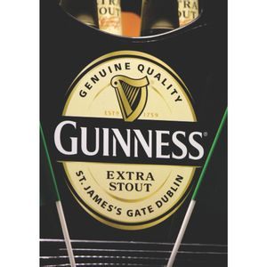 QUADRO-DECORATIVO-RETRO-CHURRASQUEIRA-GUINNESS-DE-DOMINGO